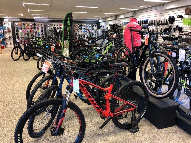 Mountainbikes vi har til salg i vores cykelbutik i Kolding