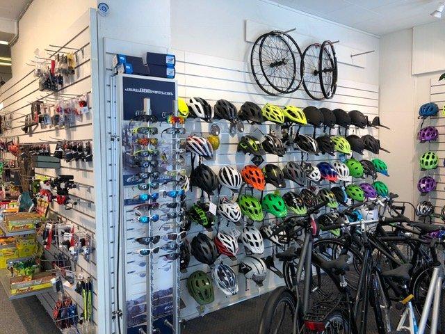 Udpluk af hjelme du kan købe når du skal ud og kører mountainbike i Kolding